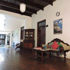 Отель Turtles Rest and Curry Bowl интерьер отеля