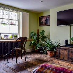 Отель Stylish 1 Bedroom Flat With A Beautiful Garden Лондон фото 10