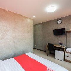 OYO 106 5 Chang Palace Hotel Бангкок удобства в номере