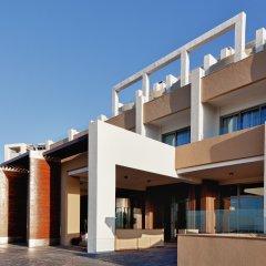 Отель db Seabank Resort and Spa вид на фасад