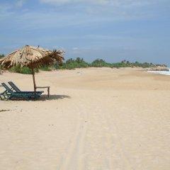 Отель Kirinda Beach Resort пляж фото 2