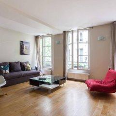 Отель onefinestay - Bastille Apartments Франция, Париж - отзывы, цены и фото номеров - забронировать отель onefinestay - Bastille Apartments онлайн комната для гостей фото 4