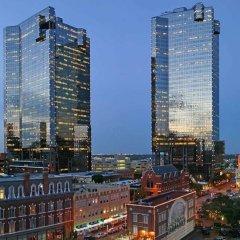 Отель Embassy Suites Fort Worth - Downtown городской автобус