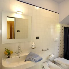 Отель Terre Bianche agriturismo Италия, Региональный парк Colli Euganei - отзывы, цены и фото номеров - забронировать отель Terre Bianche agriturismo онлайн ванная фото 2