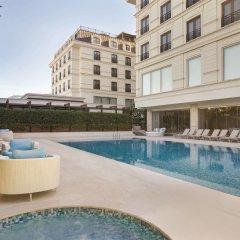 Отель Wyndham Grand Istanbul Kalamis Marina бассейн