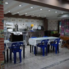 Отель Banglumpoo Place Таиланд, Бангкок - отзывы, цены и фото номеров - забронировать отель Banglumpoo Place онлайн гостиничный бар