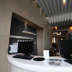 Отель Holiday Inn Express Shanghai New Hongqiao интерьер отеля