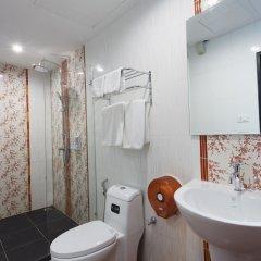 Отель Blue Carina Inn Hotel Таиланд, Пхукет - отзывы, цены и фото номеров - забронировать отель Blue Carina Inn Hotel онлайн ванная