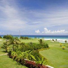 Отель Hilton Rose Hall Resort & Spa - All Inclusive Ямайка, Монтего-Бей - отзывы, цены и фото номеров - забронировать отель Hilton Rose Hall Resort & Spa - All Inclusive онлайн спортивное сооружение
