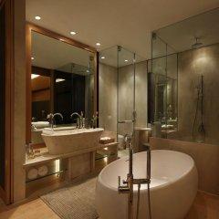 Отель The Roseate New Delhi ванная фото 2