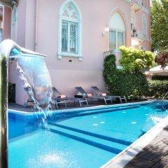 Hotel Milton Rimini бассейн