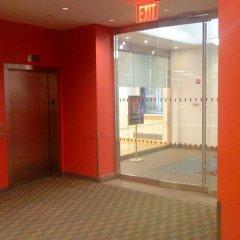 Отель Vanderbilt YMCA банкомат