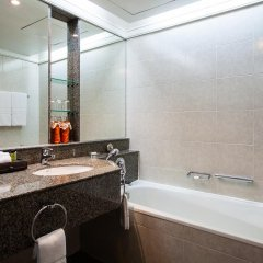 Отель Amari Watergate Bangkok Таиланд, Бангкок - 2 отзыва об отеле, цены и фото номеров - забронировать отель Amari Watergate Bangkok онлайн ванная фото 2