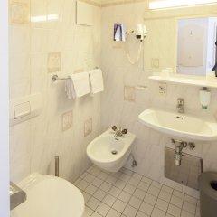 Отель Aviano Pension ванная фото 2
