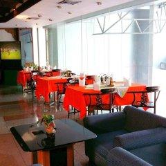 Отель Mike Hotel Таиланд, Паттайя - 1 отзыв об отеле, цены и фото номеров - забронировать отель Mike Hotel онлайн интерьер отеля