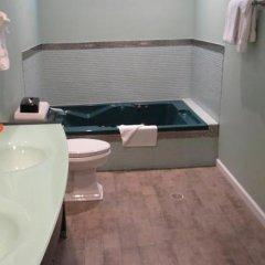 Отель Rodeway Inn Hollywood США, Лос-Анджелес - 1 отзыв об отеле, цены и фото номеров - забронировать отель Rodeway Inn Hollywood онлайн ванная