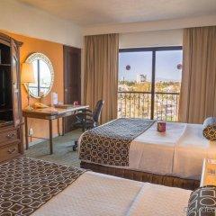 Отель Holiday Inn Guadalajara Expo комната для гостей фото 5