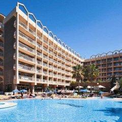 Отель Golden Avenida Suites бассейн