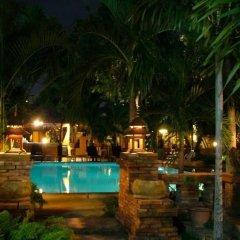 Отель Riviera Resort бассейн