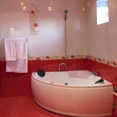 Отель Aleksandrapol Hotel Армения, Гюмри - 2 отзыва об отеле, цены и фото номеров - забронировать отель Aleksandrapol Hotel онлайн ванная