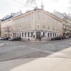 Отель Heart of Ottakring by Welcome2Vienna Вена парковка