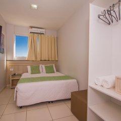 Отель Pousada Marie Claire Flats сейф в номере
