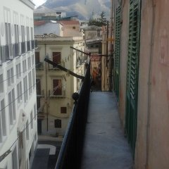 Отель Da Martino Holiday Home Италия, Палермо - отзывы, цены и фото номеров - забронировать отель Da Martino Holiday Home онлайн балкон