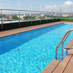 DoubleTree by Hilton Hotel Girona бассейн фото 3