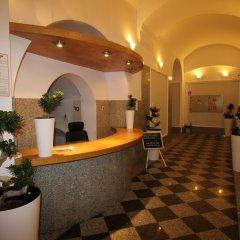 One Lucky Hostel - Old Town интерьер отеля фото 2