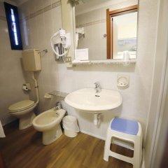Отель Albergo Giardinetto Италия, Болонья - отзывы, цены и фото номеров - забронировать отель Albergo Giardinetto онлайн ванная