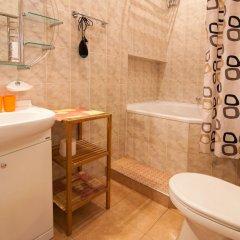 Гостиница Home-Hotel Bolshaya Zhitomirskaya 6-A Украина, Киев - отзывы, цены и фото номеров - забронировать гостиницу Home-Hotel Bolshaya Zhitomirskaya 6-A онлайн ванная