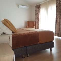 Hotel Santa Monica Suite комната для гостей