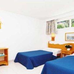 Отель Gran Santa Ponsa комната для гостей