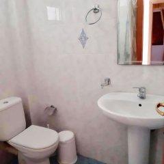 Отель Romi Hotel Албания, Саранда - отзывы, цены и фото номеров - забронировать отель Romi Hotel онлайн ванная