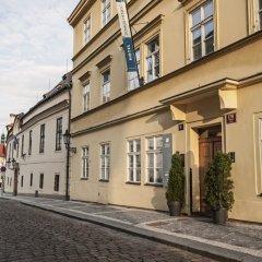 Отель Domus Henrici Прага вид на фасад
