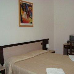 Отель CANASTA Римини сейф в номере