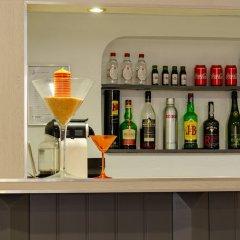 Dinya Lisbon Hotel гостиничный бар