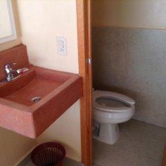 Отель Zihua Express Сиуатанехо ванная