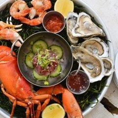 Отель Grand Cayman Marriott Beach Resort Каймановы острова, Севен-Майл-Бич - отзывы, цены и фото номеров - забронировать отель Grand Cayman Marriott Beach Resort онлайн питание