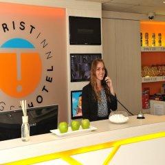 Отель Tourist Inn Budget Hotel - Hostel Нидерланды, Амстердам - 1 отзыв об отеле, цены и фото номеров - забронировать отель Tourist Inn Budget Hotel - Hostel онлайн интерьер отеля фото 4