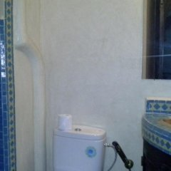 Отель Riad Boutouil ванная фото 2