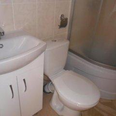 Гостиница Guest House 12 Mesyatsev Украина, Черноморск - отзывы, цены и фото номеров - забронировать гостиницу Guest House 12 Mesyatsev онлайн ванная