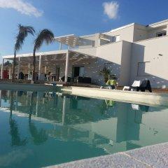 Отель Doric Bed Агридженто бассейн