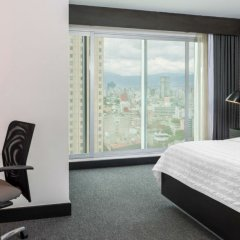 Отель Embassy Suites Mexico City Reforma Мехико комната для гостей фото 3