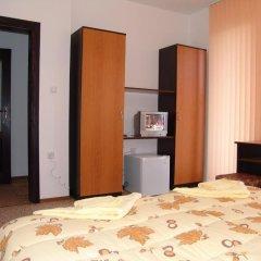Отель Tarnovski Dom Guest Rooms Велико Тырново сейф в номере