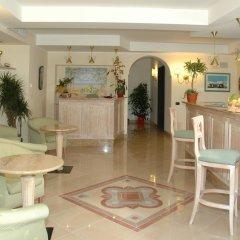 Отель La Pergola Италия, Амальфи - 1 отзыв об отеле, цены и фото номеров - забронировать отель La Pergola онлайн гостиничный бар