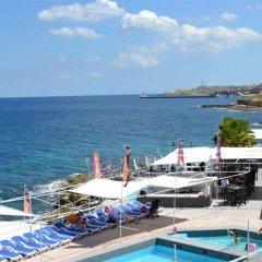Отель Pebbles Boutique Aparthotel Мальта, Слима - 3 отзыва об отеле, цены и фото номеров - забронировать отель Pebbles Boutique Aparthotel онлайн пляж фото 2