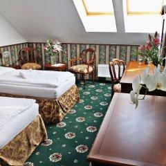 Отель Trinidad Prague Castle Прага комната для гостей
