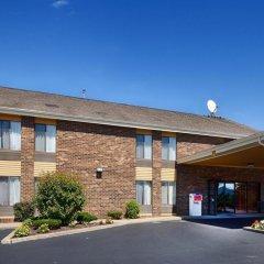Отель Quality Inn Tully I-81