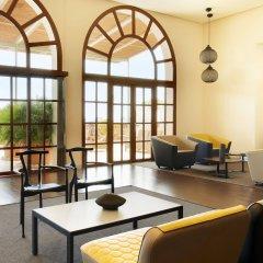 Отель Le Meridien Ra Beach Hotel & Spa Испания, Эль Вендрель - 3 отзыва об отеле, цены и фото номеров - забронировать отель Le Meridien Ra Beach Hotel & Spa онлайн гостиничный бар